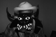 Don Victoriano Salgado (gonzaloh) Tags: blackandwhite bw white black blancoynegro blanco méxico d50 mexico nikon noir mask noiretblanc negro nikond50 mexique mich sw diablo michoacán craftsman mx bianco blanc nero schwarz biancoenero masque mexiko messico máscara maskmaker weis artesano uruapan schwarzweis meksiko メキシコ meksyk mexikó المكسيك мексика μεξικό mascarero donvictorianosalgado
