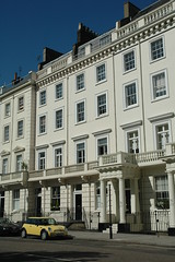 Warwick Square SW1 (Jamie Barras) Tags: uk houses england building london architecture century buildings terrace victorian mini row stucco 19th pimlico townhouses sw1 ロンドン cubitt 伦敦