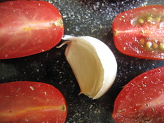 Garlic with tomatoes