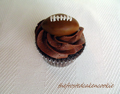 Tuesday Toppers: Football Cupcake