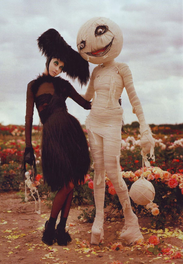 tim-burton-harpers-bazaar-october-2009-2