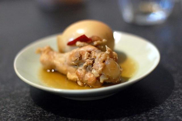 作ってもらったフィリピン料理その2。手羽元のさっぱり煮。 #gohan