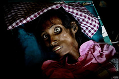zoriah_photojournalist_war_photographers_AIDS_asia_woman_death_dying_20041208_2073 (Zoriah) Tags: photography photo cambodia photographer aids hiv photojournalism documentary vietnam phnompenh siemreap sida hivaids reportage photojournalist zoriah asia acquiredimmunedeficiencysyndromeimage