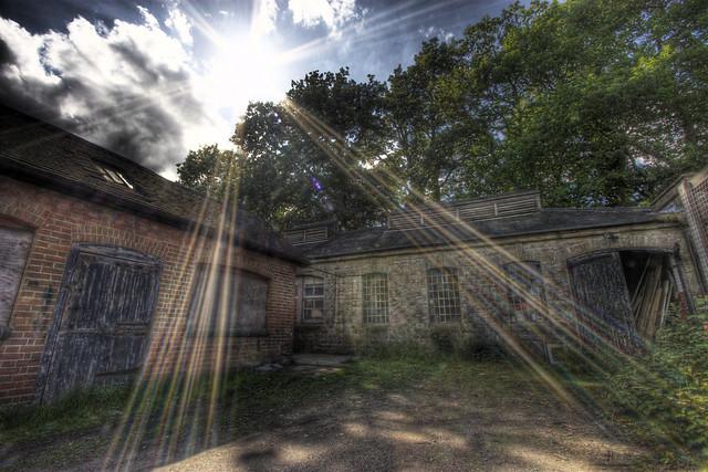 Barns at knole park sun burst.
