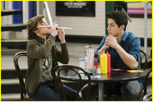 david-henrie-bridgit-mendler-love-first-bite-04