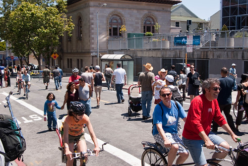 "San Francisco's ""Summer Streets"" event is a great example of what CicLAvia can do for Los Angeles. Image: sfbike/Flickr"
