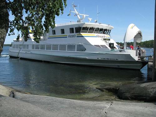 Ferry in Finnhamn