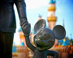 Disneyland - Partners (Matt Pasant) Tags: california family original summer vacation castle 1955 apple statue cali kids canon mac aperture bokeh disneyland magic wed disney mickey depthoffield telephoto socal cal dreams wishes mickeymouse orangecounty anaheim waltdisneyworld dlr sleepingbeauty partners waltdisney mainstreetusa sleepingbeautycastle disneylandresort wedway castmember dfine lightzone canonef70200mmf4lisusm canoneos5dmarkii waltereliasdisney 5dmark2