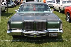 1976 Chrysler New Yorker  4 door hardtop (carphoto) Tags: newyorker chrysler 1976 4doorhardtop moparfest2009 1976chryslernewyorker richardspiegelmancarphoto