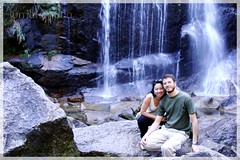 Na Cachoeira Véu da Noiva (by Luma Kimura)
