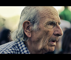 Attention (Daniel Guillan) Tags: old portrait man eye look mouth ojo dof expression perfil profile grandfather grandpa pops attention boca mirada viejo abuelo atencin atento