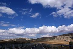 Yolda 7 (Vo) Tags: road blue sky panorama cloud sun turkey flickr trkiye trkei estrellas mavi ankara yol bulut turchia gne bozkr flickraward