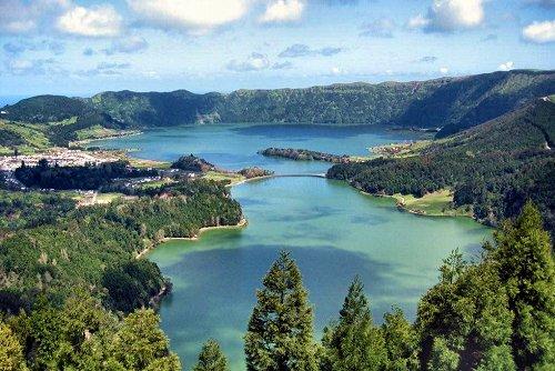 20030417-rq-Lagoa Verde e Lagoa Azul