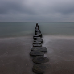 Groyne, Zingst, Mecklenburg-Vorpommern, Germany (Xindaan) Tags: ocean longexposure morning travel sea vacation holiday blur beach nature water beautiful beauty clouds strand germany landscape geotagged outdoors deutschland dawn vanishingpoint nationalpark agua nikon eau meer wasser europa europe waves angle cloudy horizon natur wide overcast wideangle calm balticsea baltic tokina alemania 16mm acqua landschaft groyne allemagne ostsee ultra 2009 f28 tranquil horizont germania groin manfrotto zingst langzeitbelichtung mecklenburgvorpommern d300 buhne ultrawideangle 1116 111628 nationalparkvorpommerscheboddenlandschaft 055mf4 1116mm tokina1116mmf28 tokina1116f28 atx116prodx 1116mmf28 angleviewfinder 281116 geo:lon=1268145300