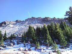 sky usa sun mountain snow sunshine oregon rocks contrail... (Photo: peggyhr on Flickr)