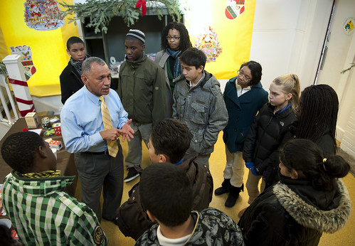 NASA Administrator Bolden Volunteers with the DC Cares Program (200912140005HQ)