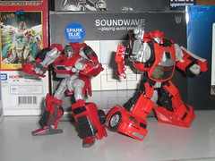 Windcharger & Custom Cliffy (crystille21) Tags: transformers