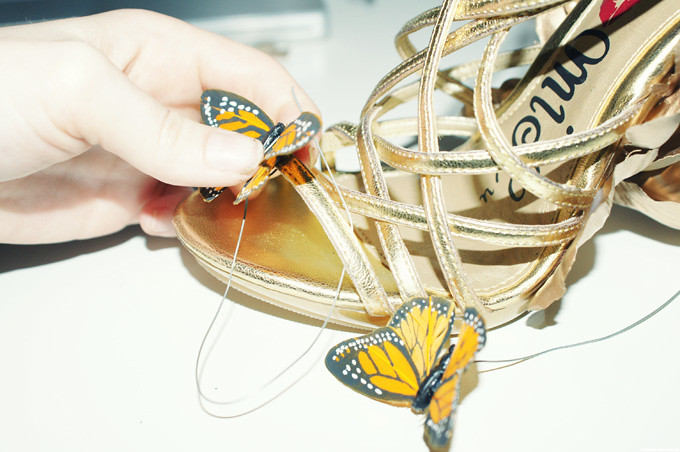 DIY-Alexander-McQueen-Monarch-Shoes-wrapbutteryfly-9