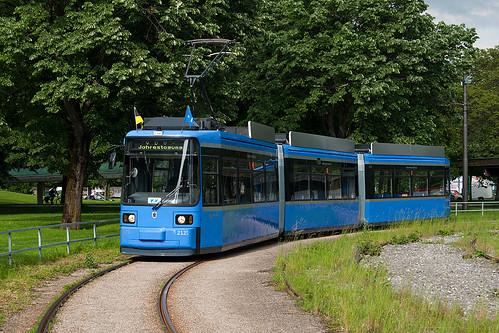 Der letzte Einsatz von Wagen 2121 mit Fahrgästen erfolgte anlässlich der VDV-Tagung am 8. Juni 2010, hier wartet der Wagen in der Ackermannschleife