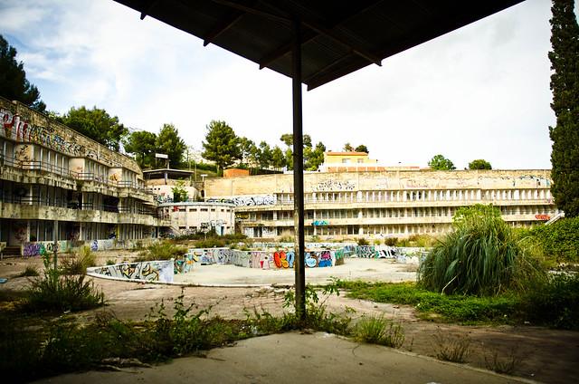 abandon pool