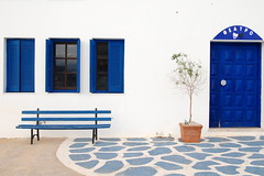 Theatre (Ochaviere) Tags: blue white island theatre bleu greece blanc serifos cyclades grece leuropepittoresque