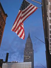 Chrystler Building / US Flag (Kritta) Tags: nyc newyorkcity usa ny newyork architecture america geotagged unitedstates unitedstatesofamerica northamerica artdeco chrystlerbuilding murrayhill geo:lat=4075266195 geo:lon=7397919774