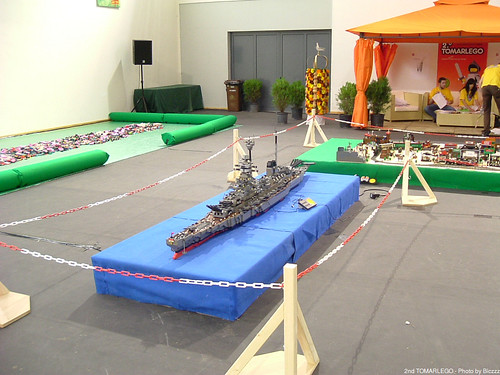 2nd TOMARLEGO - Einon's Battlecruiser, Playzone and Western