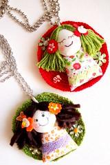 Menininhas (Gata Valquria) Tags: necklace bonecas crochet boneca collar colar fios colares necklaces gatavalquiria
