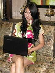 hot Shenzhen girl and Lenovo computer (zikay's photography from bizinsz.net) Tags: girl model beauty 温嫣 lenovo laptop