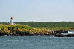 DGJ_5633 - Peter Island Lighthouse (archer10 (Dennis)) Tags: world red coastguard seagulls lighthouse white canada square island lights boat nikon novascotia free historic dennis beacon d300 iamcanadian peterisland brierisland dennisjarvis archer10 dennisgjarvis wbnawcnns
