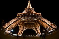 La torre (Fabio Ornago) Tags: city light paris color night eos torre arte fisheye toureiffel torreeiffel 5d luci notte parigi