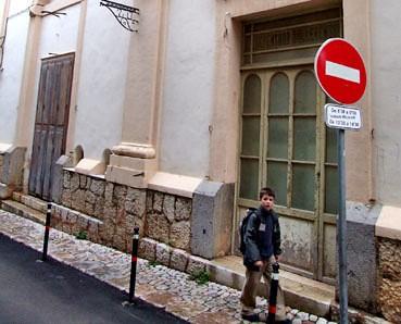 """Alumne Fossaret passant per la """"Defensora""""- Any 2007."""