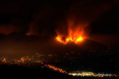 [フリー画像] [ニュース系] [火事/火災] [街の風景] [夜景] [山火事] [アメリカ風景] [ロサンゼルス]    [フリー素材]