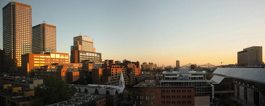 Montréal vu de l'hôtel Le Dauphin à l'aube