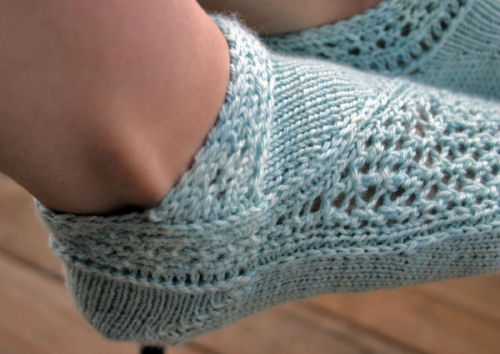 Spiraling Snow Ankle Socks