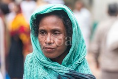7D9_1057 (bandashing) Tags: face portrait old woman bokeh street shahjalal mazar shrine people sylhet manchester england bangladesh bandashing aoa socialdocumentary akhtarowaisahmed