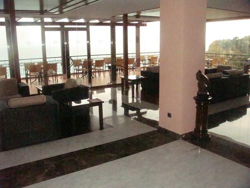 Salón interior junto a la nueva terraza
