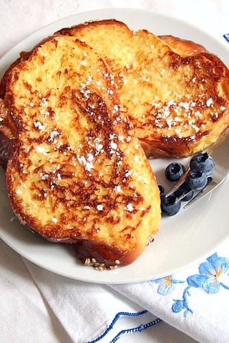Challah French Toast: Quand le Pain se Transforme en Gaufre! -