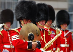 Mischief (pranav_seth) Tags: london uniform palace queen buckinghampalace touristy marching soldiers guards buckingham changingofguards