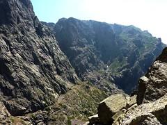 Vire sous la face Ouest du Capu Tafonatu allant à Campu di Vetta