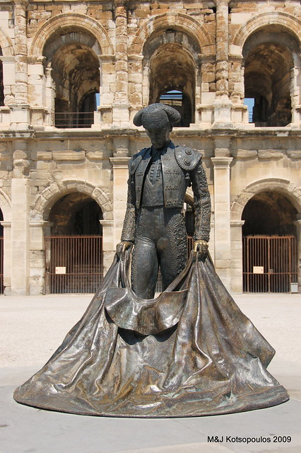 france amphitheatre arena publicart provence amphitheater nimes bullring matador sculputre arenaofnîmes