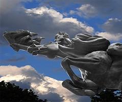 Simón José Antonio Bolivar (photocenter48) Tags: blue horse southamerica statue azul caballo colombia fighter arte cielo patas nubes estatua jinete libertador caldas desnudo guerrero risaralda trote simonbolivar pereira corcel cascos galope suramérica arenasbetancur gilbertopizanoarroyave