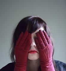 [フリー画像] [人物写真] [女性ポートレイト] [白人女性] [目を覆う]       [フリー素材]