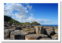 The Giant's Causeway / La Calzada del Gigante.- (ancama_99(toni)) Tags: ocean old uk trip travel blue ireland light sea vacation sky irish paisajes naturaleza mer holiday seascape color green praia beach nature water clouds marina landscape geotagged island photography coast mar photo agua nikon marine meer europa europe mare waves photos unitedkingdom wave photographic irland eire northernireland nikkor paysage olas 2009 giantscauseway ola irlanda bushmills irlande ulster marinas reinounido d60 eireann republicofireland northireland thegiantscauseway 10faves nikond60 calzadadelgigante irlandadelnorte mywinners abigfave p1f1 platinumphoto lacalzadadelgigante ancama99 saariysqualitypictures
