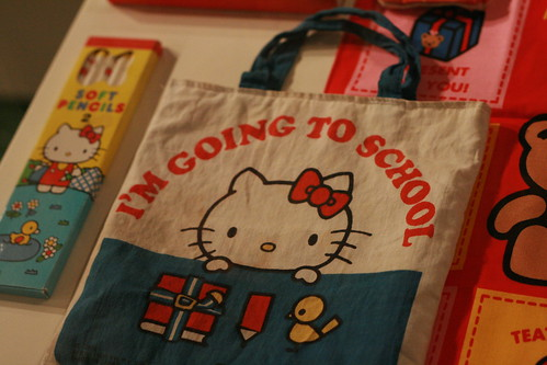 I owned this! I'm Going To School totebag - Hello Kitty Three Apples Party