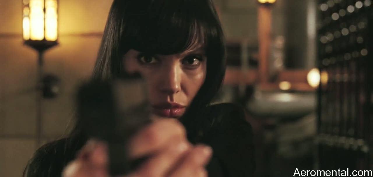Angelina Jolie Salt pistolas armas