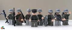 Wehrmacht soldiers (ORRANGE.) Tags: germany amazing lego ww2 armory decals orrange customs wehrmacht stahlhelm mg38