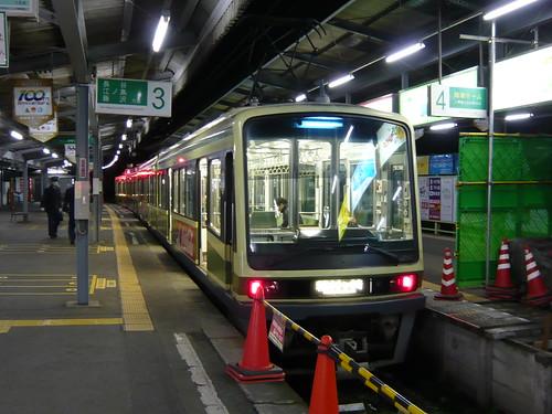 江ノ電1502F+2002F稲村ヶ崎行き最終電車@鎌倉