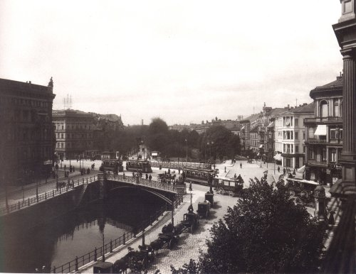 1b_Potsdamer_Bruecke_1899,_Foto_Waldemar_Titzenthaler_neu