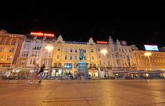 Ban Jelačić Square at night